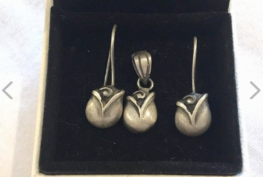 925 Sterling silver tulip pendant and earrings set